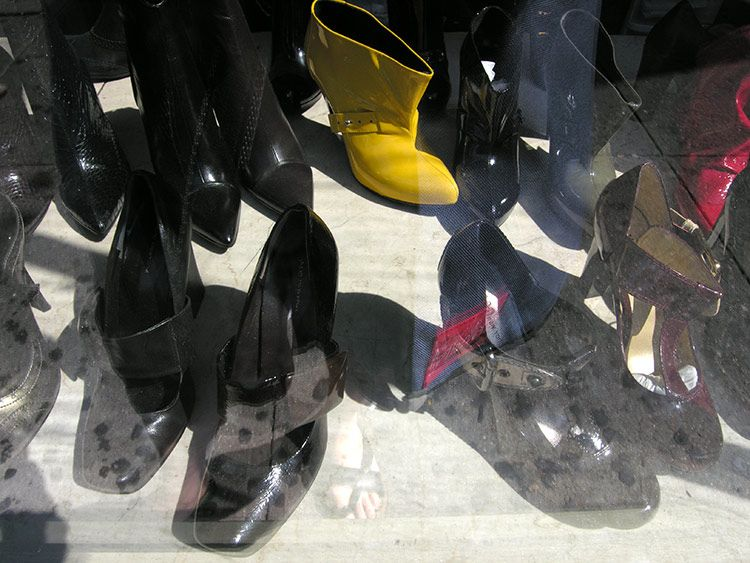shining, shoe warehouse sale, New York