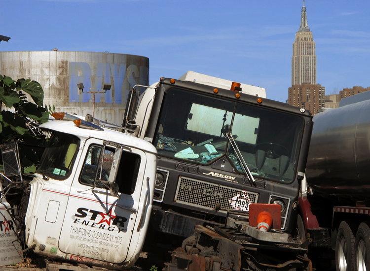 foreground, background, New York
