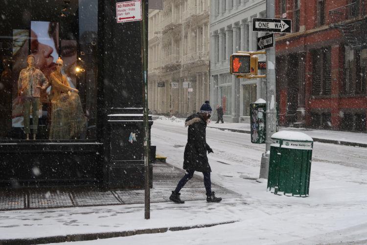 New York snowing again